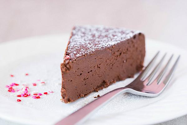 flourless-chocolate-cake-20-600.jpg