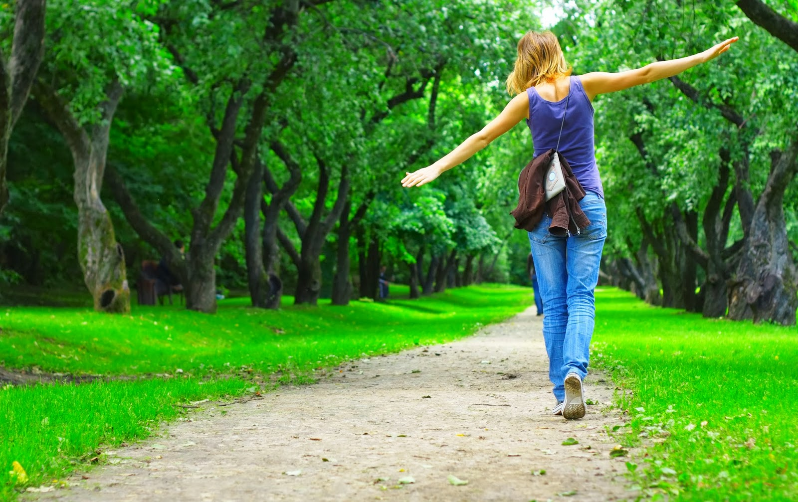Фото девушек в парке 23 фотография